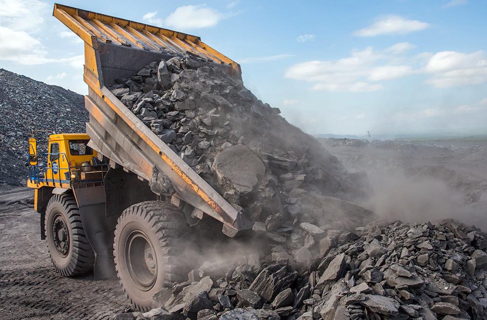 744 тонны угля выделено в Сузакском районе